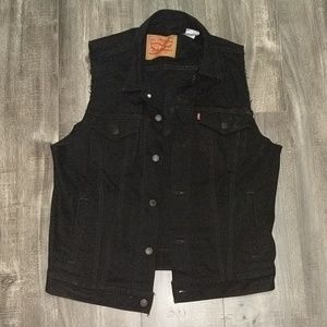 Levi's black denim jacket with the sleeves cut off